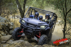 17 Honda Pioneer 1000-5 LE_action 08.png